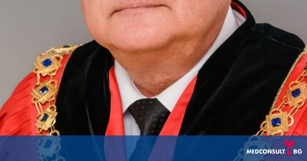 Приветствие на Ректора на МУ-Варна за 8-ми декември