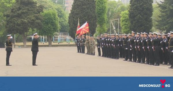 Бъдещи военни лекари участваха в честванията за 6 май